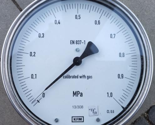 Próby ciśnieniowe instalacji wodnych oraz CO