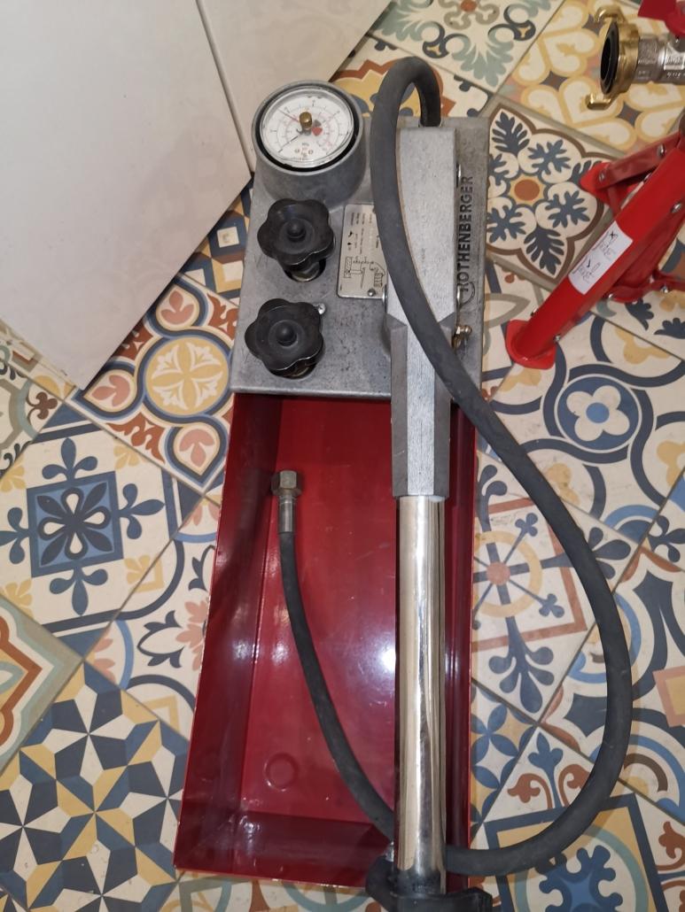 Próba ciśnieniowa instalacji wodnej